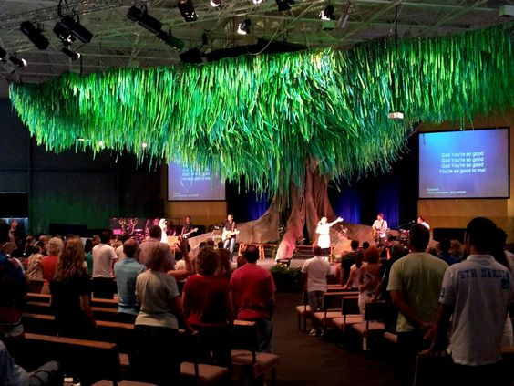 Giant indoor tree stage design gateway baptist church for Indoor stage decoration