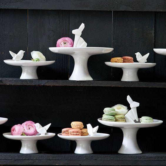statuette-rabbit-cake-plate-5.jpg 760×760 pixels