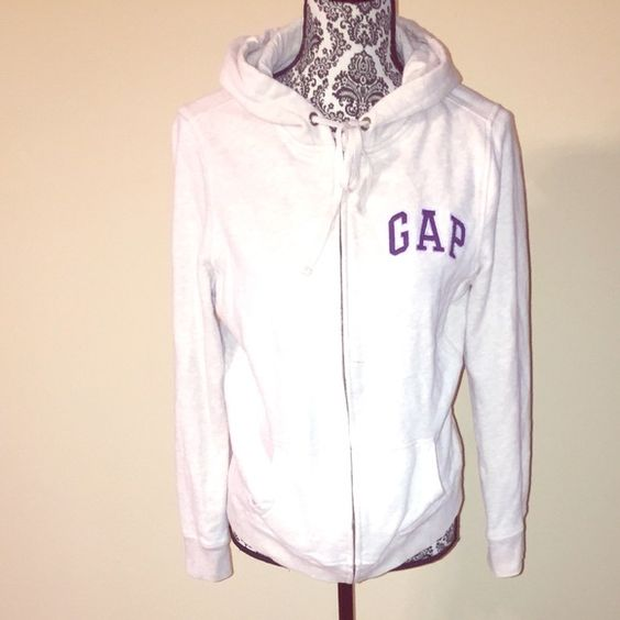 GAP Sweatshirt with hoodie and zipper closure GAP Sweatshirt with Hoodie and zipper closure GAP Tops Sweatshirts & Hoodies