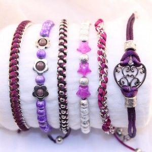 Diverse armbanden, o.a. ballchain, schakelketting, bedels.