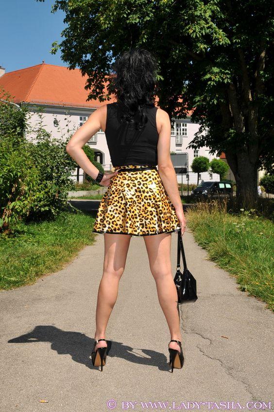 Lady Tasha-latex leopard skirt part 1