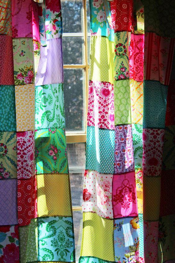 Beau patchwork 2 panneaux onglet albums-rideaux réalisés dans un Boho / Bohemian style / Jewel couleurs tonique ! Les couleurs sont