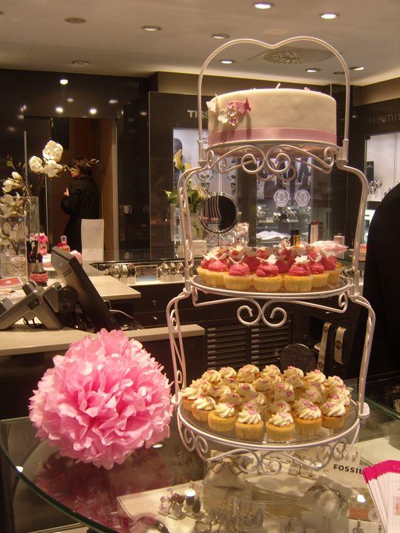 Mini Wedding Cake & Mini Wedding Cupcakes