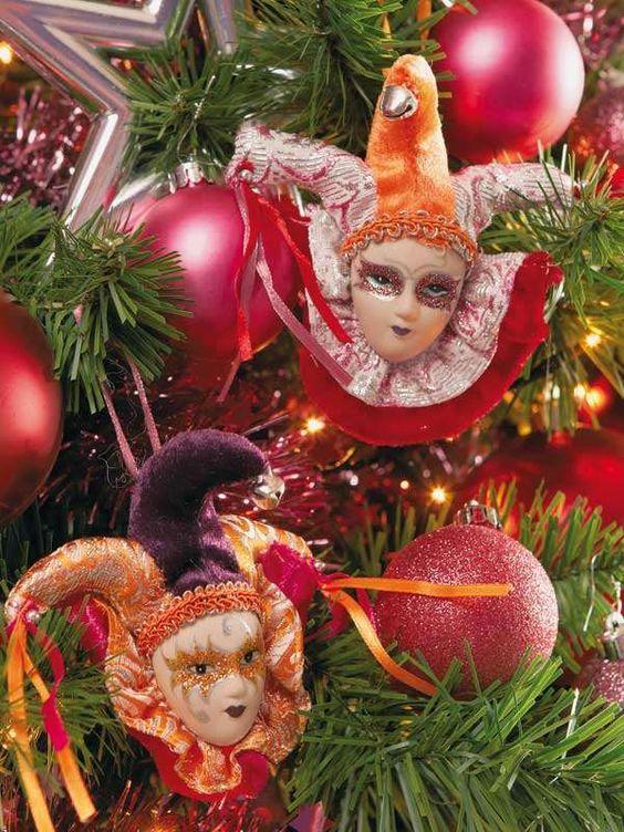Un alegre aire de carnaval, con estas bonitas máscaras, de 11 cm, 1,25 €/cu, en Bricor. - Un alegre aire de carnaval, con estas bonitas máscaras, de 11 cm, 1,25 €/cu, en Bricor.