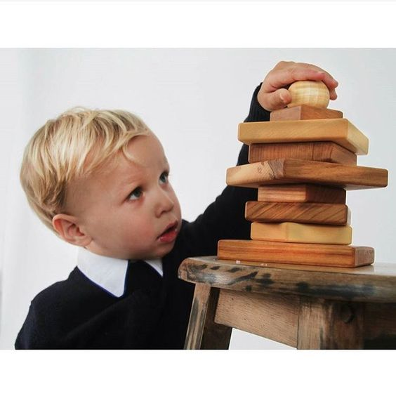 #woodenstory #naturalpyramid #woodenpyramid #woodenstacker #ecotoy #fsccertified #ecofriednly #ecocertified #woodentoy  @fancykidslondon  made in the #beskidymountains #poland