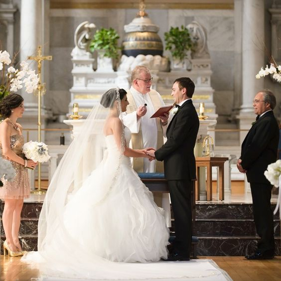Catholic Wedding Ceremony // Photo By: Averyhouse