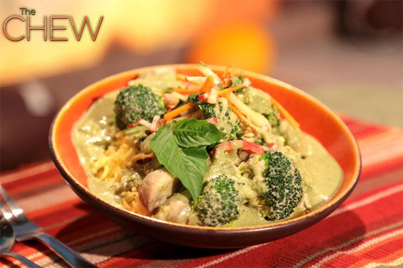 Daphne Oz's Vegetable Green Curry with Buckwheat Noodles and Carrot Salad #thechew