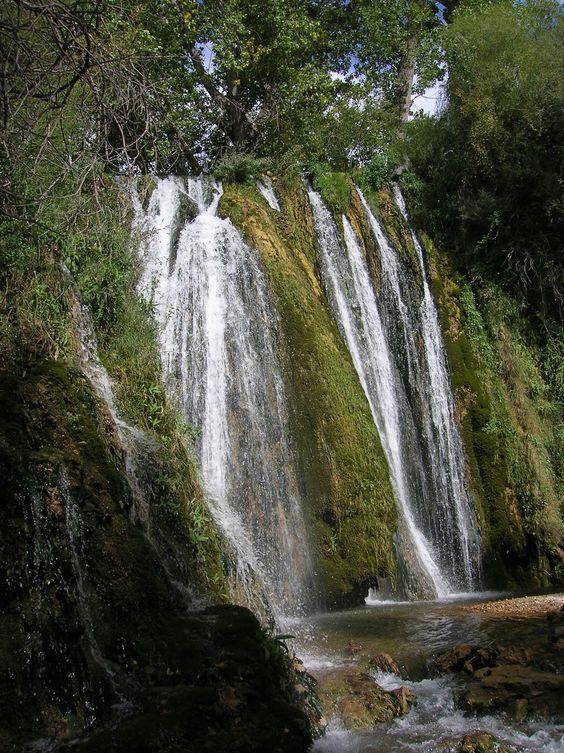 Ruta de los Estrechos del río Ebrón.  Teruel  Spain Ficha  Distancia aproximada: 7 kilómetros Tiempo aproximado (El Cuervo - Tormón): 3 horas. Altitud: El Cuervo: 904 m. - Tormón: 1.059 m.