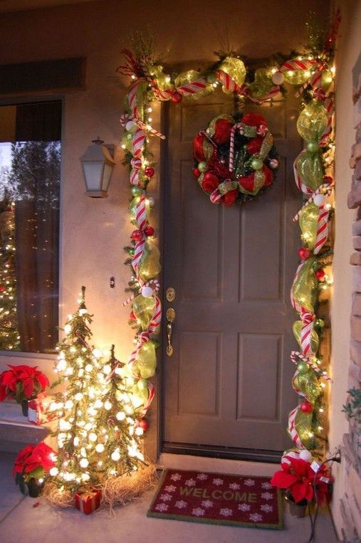 15 Fabulous Outdoor Christmas Decorations For A Winter Wonderland 2 Front Door Christmas Decorations Christmas Door Decorations Outdoor Christmas