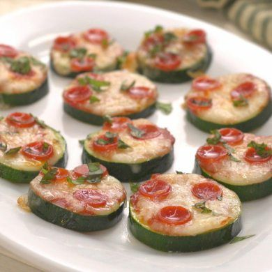 Two things we're loving right now: pizza with alternative crusts, and new ways to enjoy zucchini! Of course, we had to put the two together in Zucchini Pizzas!