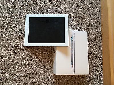 Apple iPad 2 32GB Wi-Fi 9.7in - White https://t.co/NUT9BBnOit https://t.co/PzXpeRpRHl