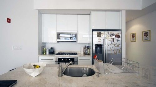 Kitchen modern kitchen - cupboards to celing! yes