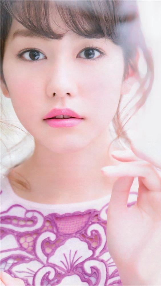 ピンクの唇の桐谷美玲