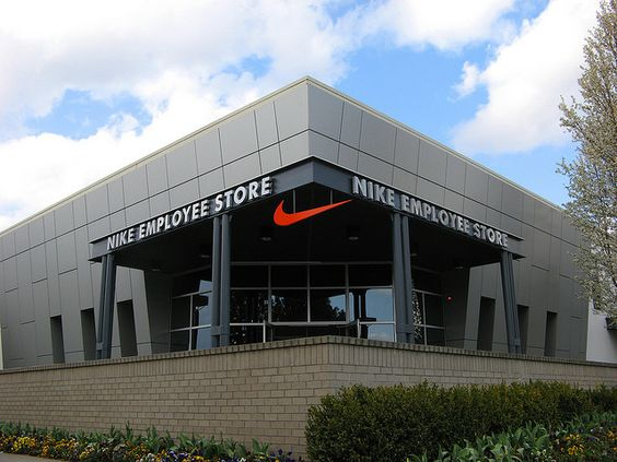 Eugene (/j u d i n/yoo-JEEN) is a city of the Pacific Northwest in Nike Running Store Eugene Oregon the U.S. As of the census, Eugene had a population of ,; it is the state s. I would highly recommend including the Eugene Nike Running store in your running gear shopping itinerary.