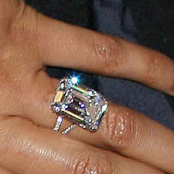 Beyonceu0027s 18 Kt Emerald Cut Diamond Solitaire And Platinum Engagement Ring  From Jay Z.
