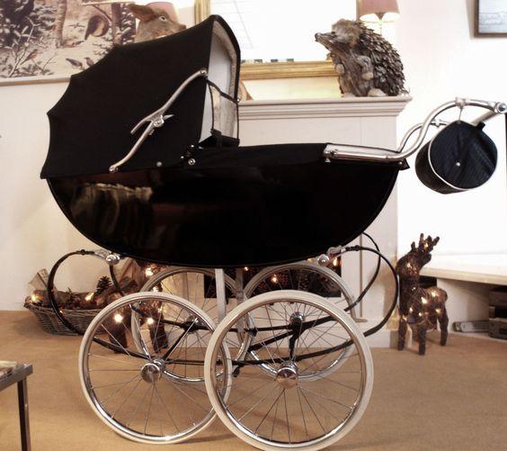 Engelse Kinderwagen.
