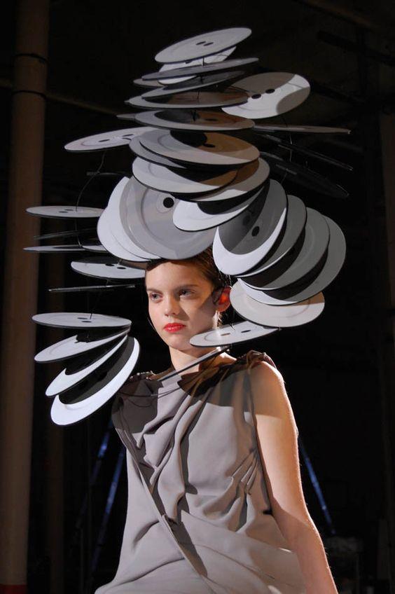 ⍙ Pour la Tête ⍙ hats, couture headpieces and head art - GILES: