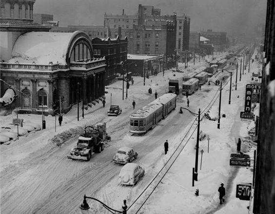 Blizzard in Cleveland Ohio - 1950 - Euclid Avenue