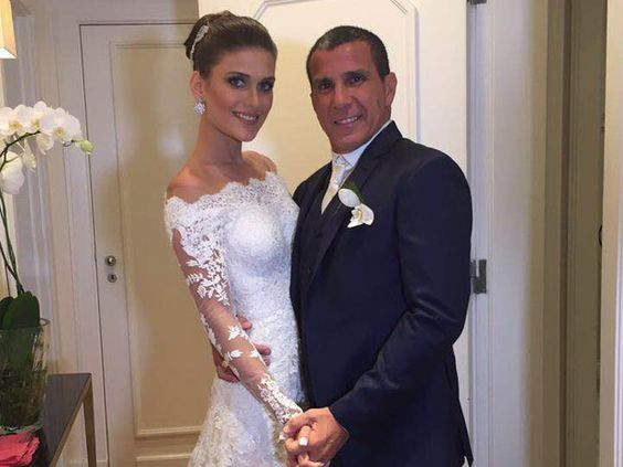 Eri Johnson e noiva recebem famosos em festa no Copacabana Palace