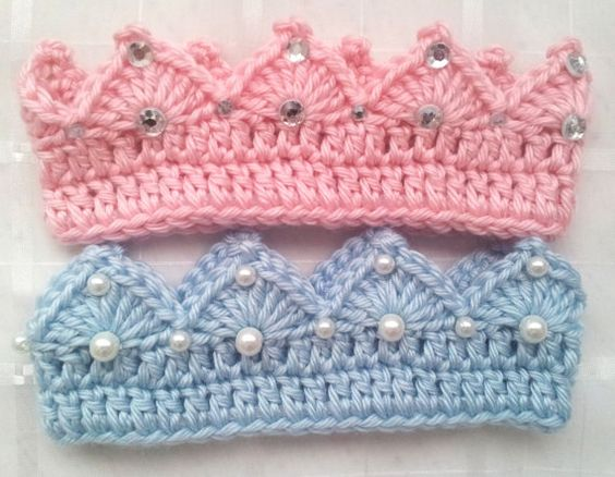 Crochet prince or princess baby crown with jewels or for Felpas de ganchillo