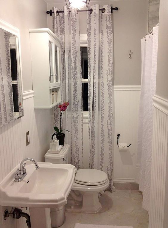 Guest project a barney budget bathroom update get this for Small bathroom updates