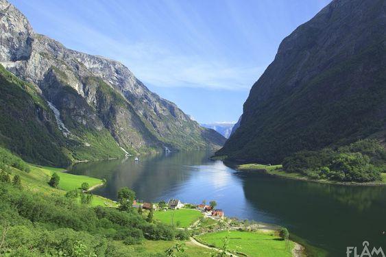Visit Flam - Naeroyfjorden