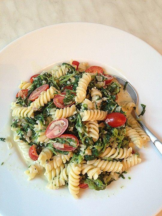 Püppis Spinat-Tomaten-Nudeln