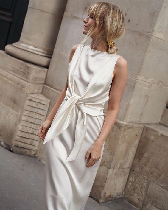 Layer your @_la_collection_ Charlotte blouse over Naomi dress et voila #ParisFashionWeek #Paris #Pfw20 #LaCollection