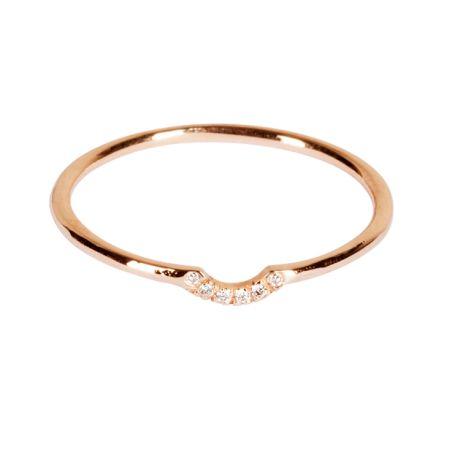 Les bijoux Monsieur sont fins et subtils. Ils sont en or, en argent, en vermeil, avec ou sans pierres précieuses.
