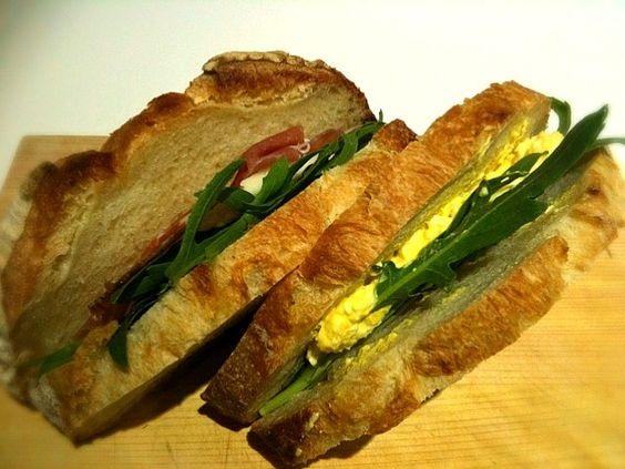 テンちゃん♪カンパーニュで ルッコラ&たまご、ルッコラ&生ハム&チーズ。 - 40件のもぐもぐ - サンドイッチ弁当 by 小鍋 (pentolina)