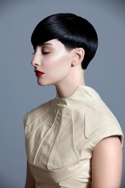 Short Hairstyle By Sassoon Salon In Toronto Canada I