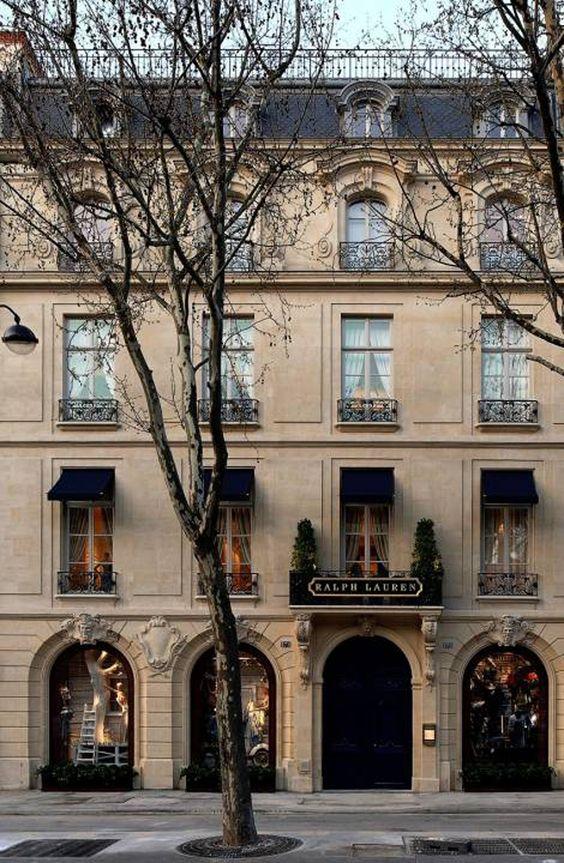 Yo quiero ir a compra en Paris un otra vez.