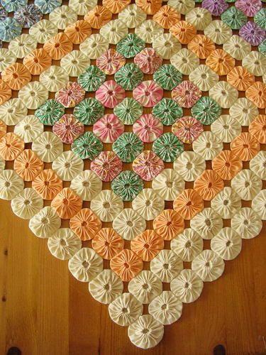 Details about vintage yoyo quilt c1950 39 s fabulous pattern - Mantas pie de cama ...