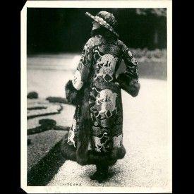 """Paul Poiret - """"le léopard attaquant le daim"""", manteau pour l'hiver (1920)"""