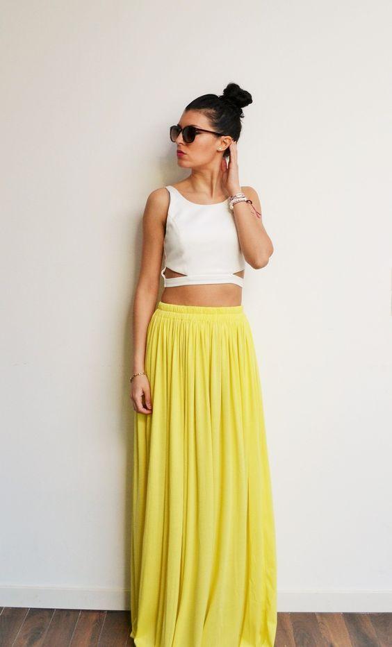 Maxi jupe longue jaune clair en jersey taille haute, fluide et plissée tendance été style bohème et hippie