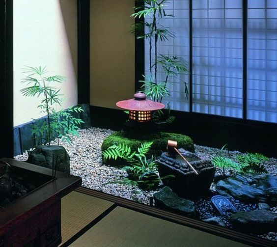 Un mini jardin japonais va vous apporter la quiétude et la sérénité dont vous avez tellement besoin. Les petits jardins sont vraiment miraculeux!