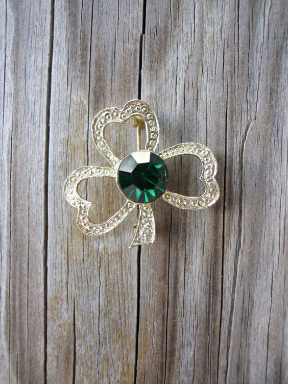 Vintage Shamrock Brooch by pinkpalmtree on Etsy, $7.50
