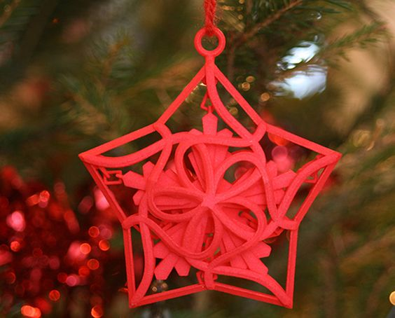 Happy December! #christmas #3dprinting #3dprinter #3dprint #christmasdecoration #xmas #festive #holidays #bauble #3dprintedbauble