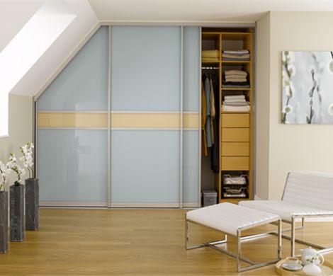 begehbarer-kleiderschrank-dachschräge-selber-bauen Bedroom - kinderzimmer teilen trennwand
