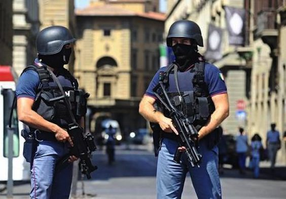 Il terrorismo islamico ci vuole divisi - http://www.sostenitori.info/terrorismo-islamico-ci-vuole-divisi/275426