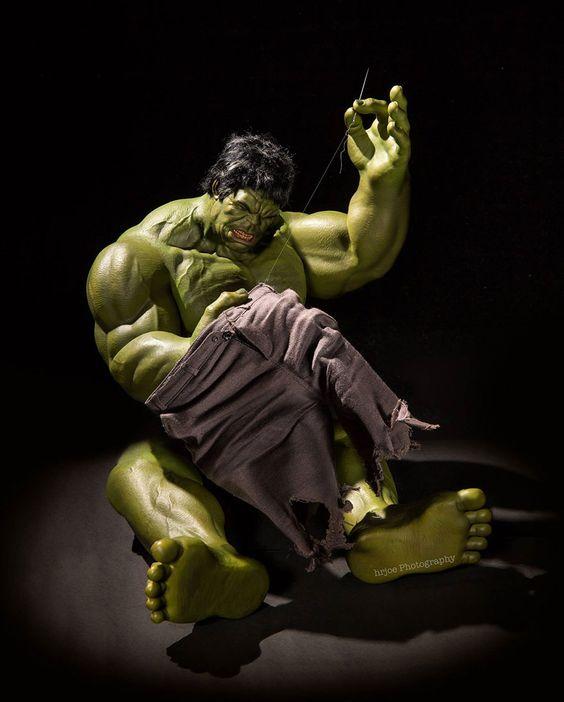 Hulk stitching his pants