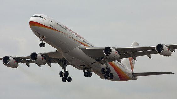 Surinam Airways A340 (PZ-TCP) during take off from the Kaagbaan     Viettel IDC tại địa chỉ Tòa nhà CIT, Ngõ 15 Duy Tân - Cầu Giấy - Hà Nội: