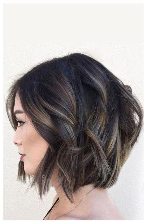 24 Schwarzes Haar Mit Highlights Die Sie Ausprobieren Mussen Haarschnitt Bob Haarschnitt Haare Mit Highlights