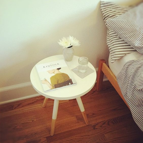 want this bedside table from west elm: Secret Diy, Bedside Table, Diy Furniture, Home Sweet Home, Main Bedroom, Decor Bedroom, Easy Diy, Painted Side Tables