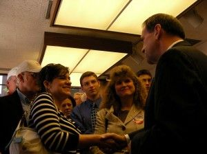 Former Arkansas Gov. Mike Huckabee, also a former GOP presidential candidate, speaks at the grand opening of his Iowa campaign headquarters June 13, 2007, in Des Moines (photo via Wikimedia Commons, CC BY-SA 2.0)