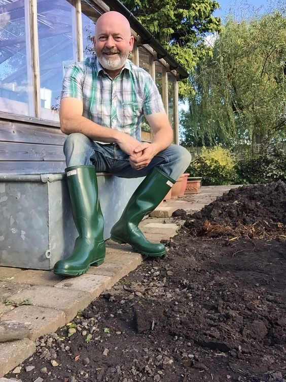 https://flic.kr/p/ML4jbf | Trough | Decided to do a bit of a photo shoot, these wellies would NEVER be used in the garden, original made in Scotland Hunters, far too valuable but used for some pictures