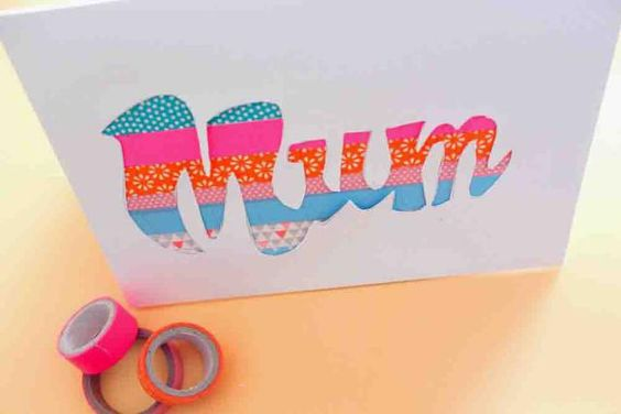 25 Paper Crafts for Mother's Day: Mum Paper Cut Greeting Card