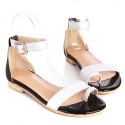 Stylish Women's Sandals With Color Block and Flat Design