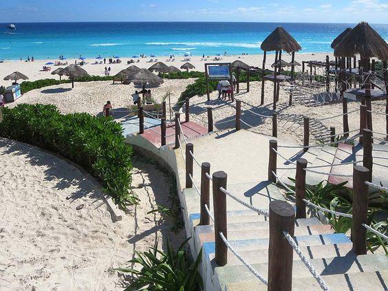 Playa Delfines Cancun, Mexico