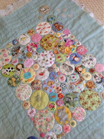 Stitcherydo: I Spy quilt... bubbles!